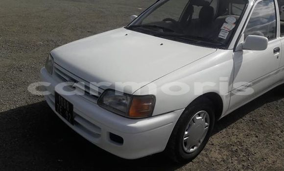 Buy Used Toyota Starlet White Car in Central Flacq in Flacq