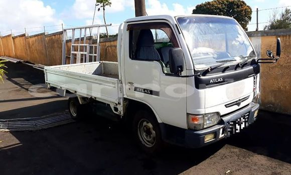 Buy Used Toyota Dyna White Car in Central Flacq in Flacq