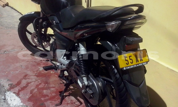 Buy Used Suzuki GS Black Bike in Port Louis in Port Louis District