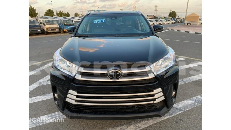 Big with watermark toyota highlander agalega islands import dubai 2769