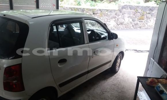 Buy Used Hyundai Atoz White Car in Surinam in Savanne