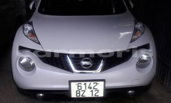 Buy Used Nissan Juke White Car in Port Louis in Port Louis District