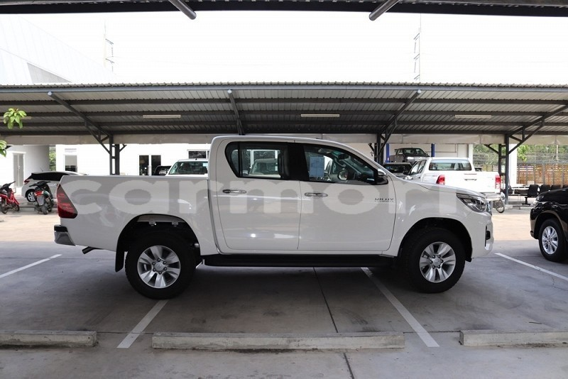 Big with watermark toyota hilux surf plaines wilhems district beau bassin rose hill 4347
