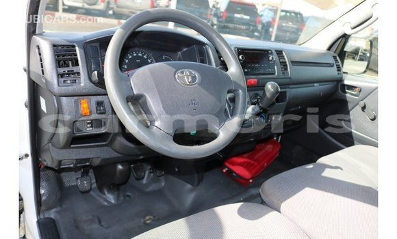 Buy Import Toyota Hiace White Car in Import - Dubai in Agalega Islands
