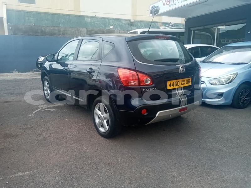 Big with watermark nissan qashqai black river district albion 5256