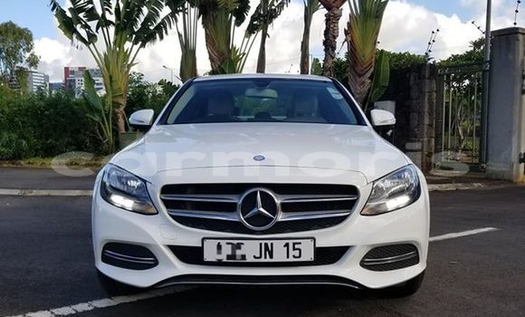 Buy Used Mercedes-Benz C–Class White Car in Port Louis in Port Louis District