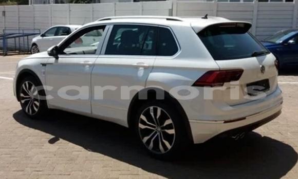 Buy Used Volkswagen Tiguan White Car in Bambous in Black River District