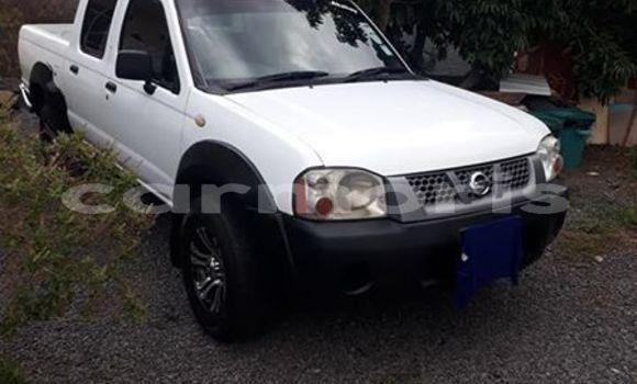 Buy Used Nissan Navara White Car in Moka in Moka